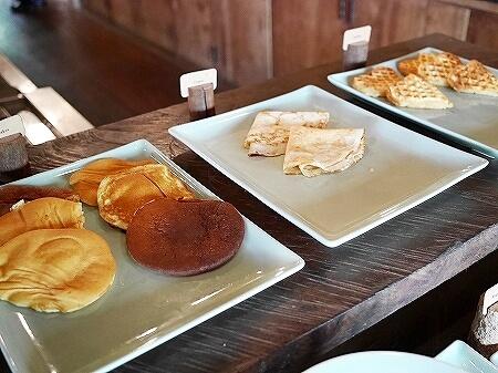 シェムリアップ プーム バイタン リゾート Phum Baitang Resort ホテル 田園 宿泊記 プール BAY PHSAR レストラン 食事 朝食 パンケーキ