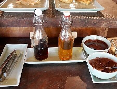 シェムリアップ プーム バイタン リゾート Phum Baitang Resort ホテル 田園 宿泊記 プール BAY PHSAR レストラン 食事 朝食 蜂蜜