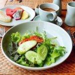 シェムリアップ プーム バイタン リゾート Phum Baitang Resort ホテル 田園 宿泊記 プール BAY PHSAR レストラン 食事 朝食 野菜 サラダ