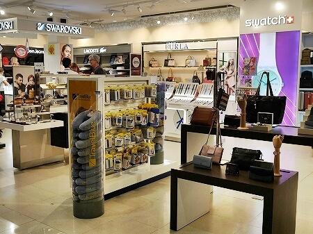 カンボジア シェムリアップ空港 お土産 店 免税店 フルラ スウォッチ スワロフスキー