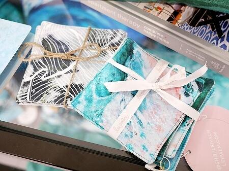ハワイ lei palm レイパーム アラモアナセンター おすすめ お土産 かわいいお店 リアナ・ウォルフ Leanna Wolff 海の絵 コースター