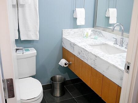 ハワイ ホノルル ワイキキ おすすめホテル アラモアナホテル Ala Moana Hotel 部屋 室内 コナタワー バスルーム