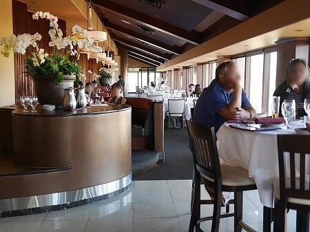 シグネチャープライムステーキ&シーフード The Signature Prime Steak & Seafood ハワイ アラモアナホテル ハッピーアワー 席