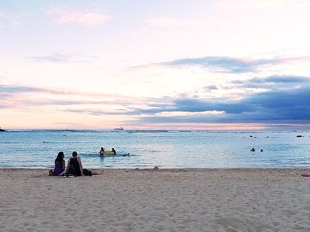 ハワイ アラモアナビーチパーク サンセット アラモアナホテル 最寄りのビーチ 夕日 夕焼け 海