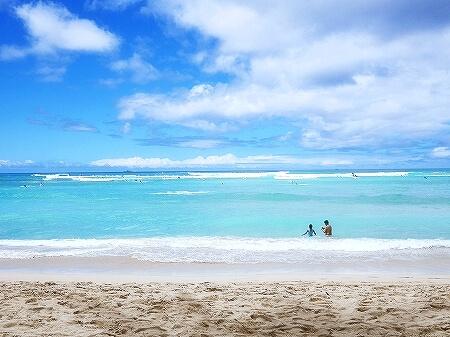 ハワイ ザ・ベランダ エッグベネディクト 朝食 THE VERANDA モアナサーフライダーホテル レストラン 海 ビーチ