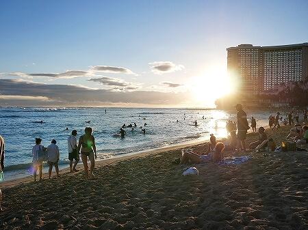 ハワイ 海 ワイキキ サンセット 夕日 ビーチ