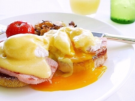 ハワイ ハレクラニホテル 朝食 オーキッズ エッグベネディクト おすすめ Orchids オーキッド