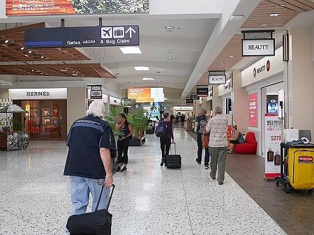 ハワイアン航空 ホノルル空港 チェックイン方法 ゲート 行き方 場所 ターミナル2 出国の流れ 免税店 ショップ