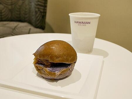 ハワイ ホノルル空港 ハワイアン航空ラウンジ プライオリティパス プルメリアラウンジ 場所 行き方 食べ物