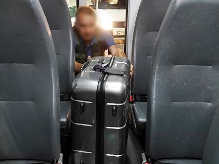 ウラジオストク空港 移動方法 107番バス 乗り場 時間 料金 ロシア スーツケース 置き場
