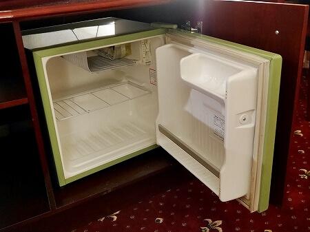 ウラジオストク ベルサイユホテル ヴェルサイユホテル 宿泊記 レビュー 口コミ 部屋 シングルルーム ロシア 冷蔵庫