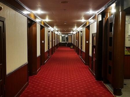 ウラジオストク ベルサイユホテル ヴェルサイユホテル 宿泊記 レビュー 口コミ 廊下 ロシア