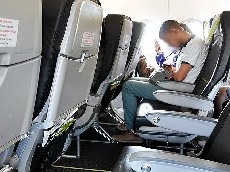 S7航空 成田-ウラジオストク S7 6281 座席 機内