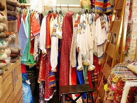 ウラジオストク おすすめお土産屋さん ルースカヤ・ゴルニツァ マトリョーシカ 民族衣装