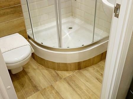 ウラジオストク カムインホテル おすすめ ブティックホテル KamInn Hotel スタンダードダブルルーム 宿泊記 室内 バスルーム