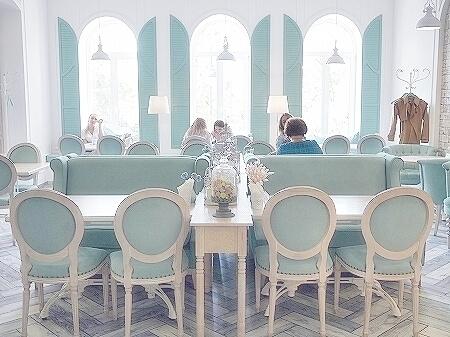 ウラジオストク Duet カフェ デュエット かわいい かわいすぎるカフェ 店内 ティファニーブルー