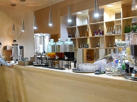 プライオリティパス ウラジオストク空港 Primorye Lounge 場所 プリモリエラウンジ プリモーリエラウンジ ジュース コーヒー 紅茶 ドリンク