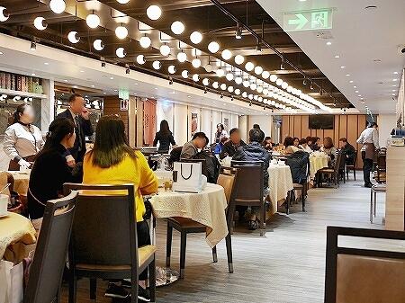 香港 蟹味噌 滬江大飯店 上海蟹 Wu Kong Shanghai Restaurant おすすめ 店内 一人旅