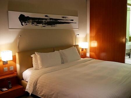香港空港そば ノボテルシティゲート香港 おすすめホテル Novotel Citygate Hong Kong 宿泊記 レビュー スタンダードルーム室内