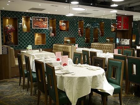 香港 老上海飯店 湾仔 上海蟹 蟹味噌麺 ヌードル 席 店内