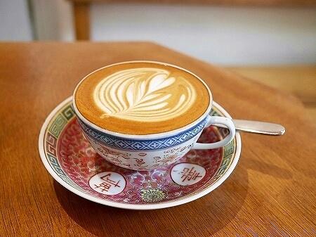 香港 ハーフウェイコーヒー Halfway Coffee 半路咖啡 フラットホワイト