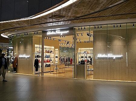 香港空港 シティゲートアウトレット 場所 フェラガモ