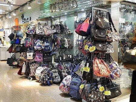 香港 服の問屋街 荔枝角 香港工業中心 ライチーコック ライチコック 行き方 場所 バッグ