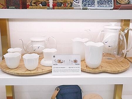 LOTUS & FISH TEA SET  香港空港のおすすめお土産屋さん discover HK Discover Hong Kong ディスカバー香港 湯呑み 茶器 急須 ティーセット