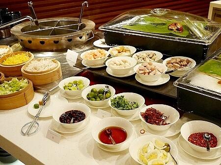 ブルネイ 7つ星ホテル エンパイアホテル 宿泊記 パンタイ ビュッフェディナー The Empire Brunei PANTAI  夕食 レストラン ブログ ヌードル
