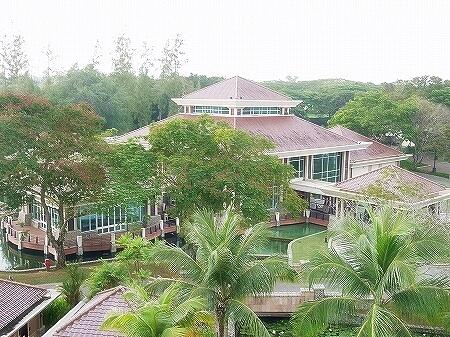 ブルネイ 7つ星ホテル エンパイアホテル宿泊記 スーペリアルーム ザ エンパイア ブルネイ ジ・エンパイア・ブルネイ The Empire Brunei ラグーンビル 部屋 室内 眺め 景色 リーゴンレストラン