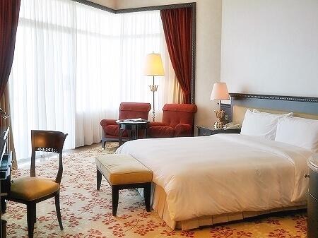 ブルネイの7つ星ホテル ジ・エンパイアホテル 宿泊記 オーシャンビュー デラックスルーム 室内 The Empire Brunei