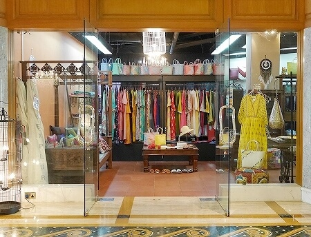 ブルネイ 7つ星ホテル エンパイアホテル宿泊記 ショップ・お土産屋さん The Empire Brunei ファッション 洋服 アクセサリー かごバッグ