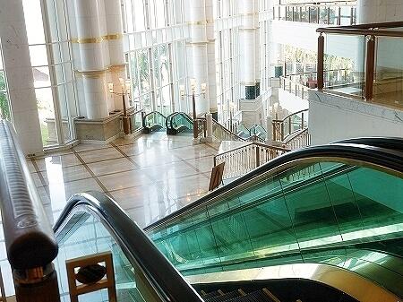 ブルネイ 7つ星ホテル エンパイアホテル 宿泊記 パンタイ ビュッフェディナー The Empire Brunei PANTAI  夕食 レストラン ブログ 場所 行き方