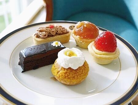 ブルネイ 7つ星ホテル エンパイアホテル 宿泊記 The Empire Brunei 旅行記 アフタヌーンティー ケーキ