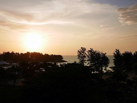 ブルネイ 7つ星ホテル エンパイアホテル 宿泊記 The Empire Brunei 夕日 サンセット旅行記