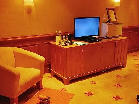 ブルネイ 7つ星ホテル エンパイアホテル 宿泊記 スパのメニュー・料金 ヘッドスパ The Empire Brunei 旅行記 トリートメントルーム