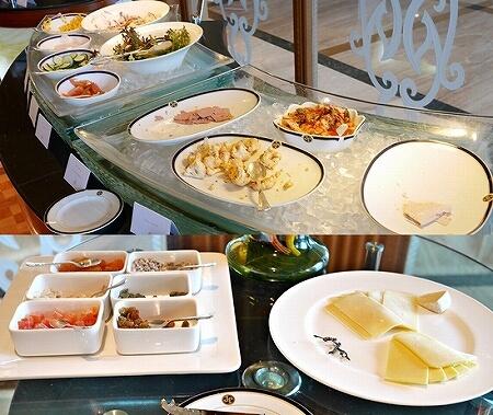 ブルネイ 7つ星ホテル エンパイアホテル宿泊記 朝食 The Empire Brunei レストラン サラダ チーズ