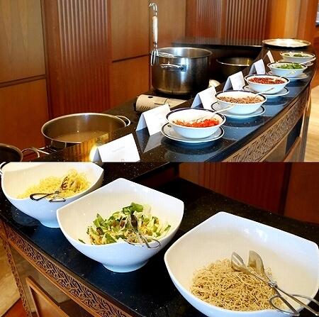 ブルネイ 7つ星ホテル エンパイアホテル宿泊記 朝食 The Empire Brunei レストラン ヌードルステーション