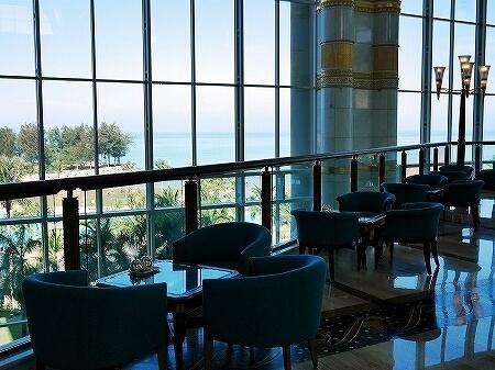 ブルネイ 7つ星ホテル エンパイアホテル 宿泊記 The Empire Brunei 旅行記 アフタヌーンティー ロビーラウンジ 景色 眺め