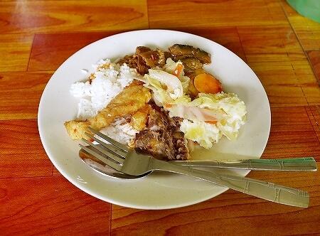 ブルネイ ウル・テンブロン国立公園 日帰りツアー ウル・トゥンブロン国立公園、Ulu Temburong National Park 英語ガイド Freme Travel フレーミートラベル 旅行記 ブログ ランチ 昼食