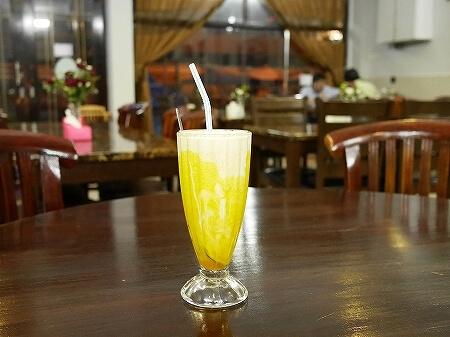 ブルネイ「Seri Damai Restaurant 」おすすめグルメ パキスタン料理レストラン(Rice N Grill - Pakistani Restaurant)マンゴーラッシー