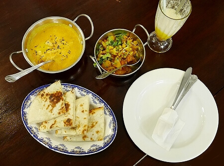 ブルネイ「Seri Damai Restaurant 」おすすめグルメ パキスタン料理レストラン(Rice N Grill - Pakistani Restaurant) チキンバター アルゴビ チーズナン