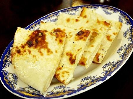 ブルネイ「Seri Damai Restaurant 」おすすめグルメ パキスタン料理レストラン(Rice N Grill - Pakistani Restaurant)チーズナン
