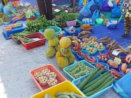 ブルネイ キアンゲマーケット Kianggeh Market 市場 観光 旅行記 ブログ 野菜 フルーツ 果物