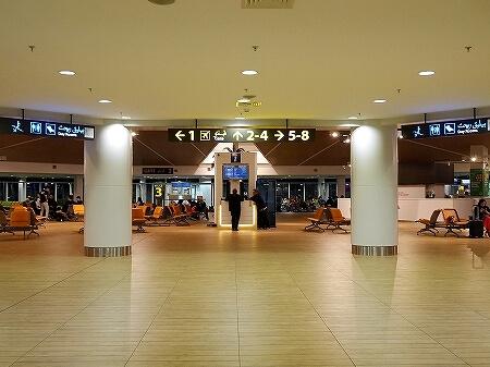 ブルネイ空港 お土産屋さん 営業時間 場所 旅行記 ブログ