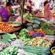 ミャンマー、ヤンゴンの「インセイン市場」をガイドさんと散策♪