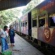 ミャンマーのローカル鉄道、ヤンゴン環状線で「ダニンゴン市場」へ!(路線図アリ)